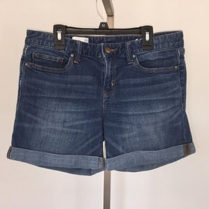 Gap 1969 real straight denim shorts size 29.